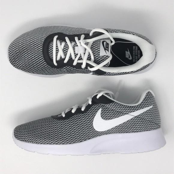 1707d58eb8c60 Nike tanjun se grey gray black white shoes NWT